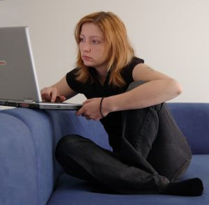 freepik-laptop-girl-o
