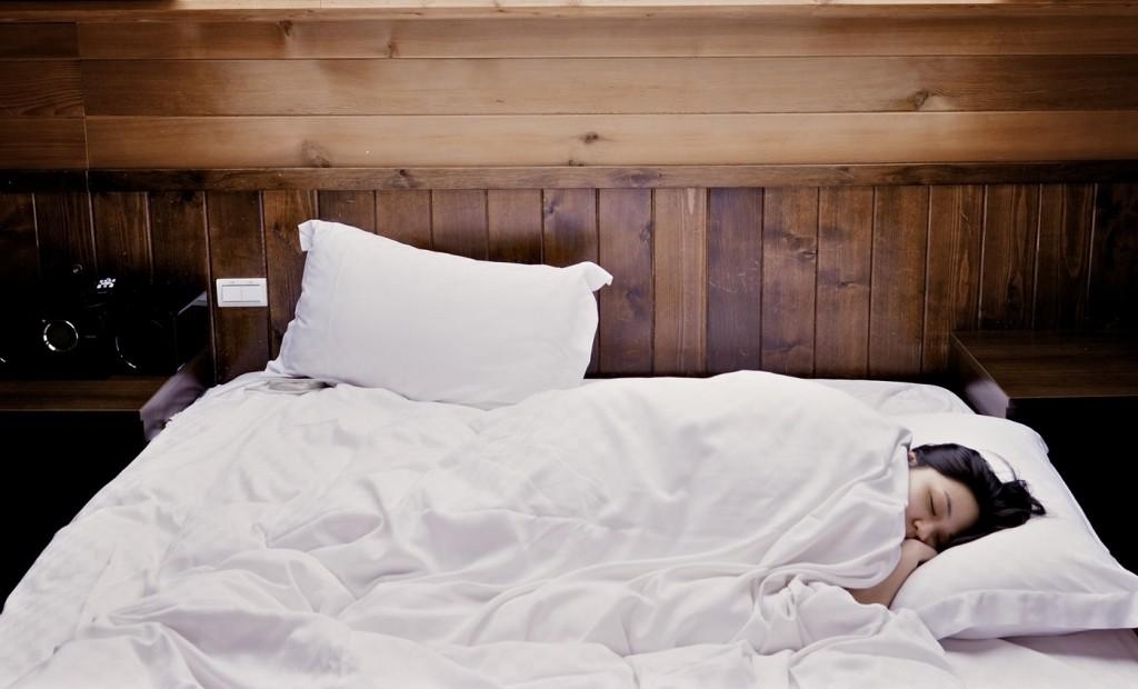 pixabay-CFS-ME-sleep-bed